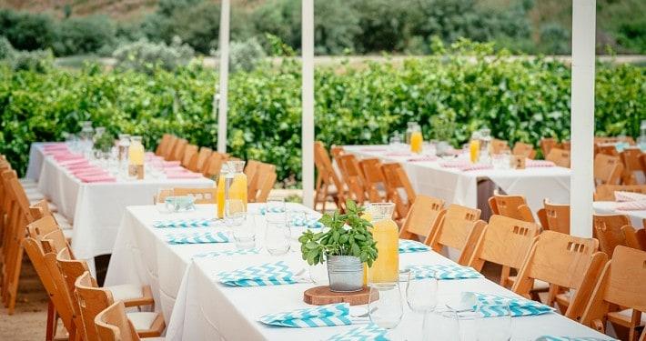 עיצוב חתונת שטח לפי פלטות צבעים