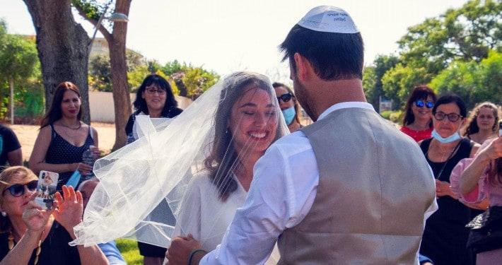 הפקת חתונה בחצר לגל ויובל